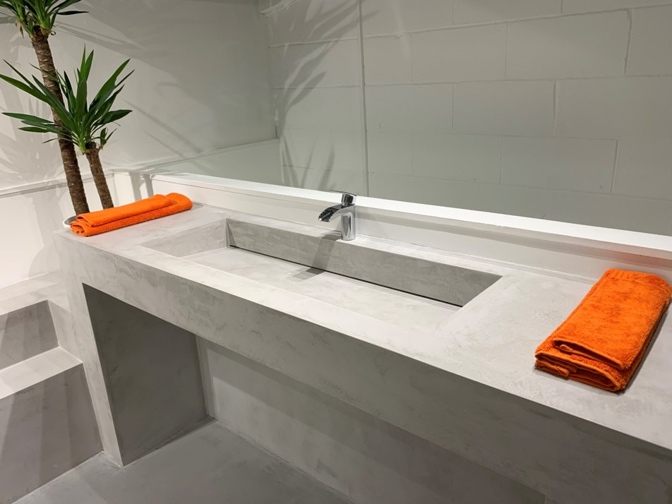 Polished Concrete Speciliats Showroom Sink